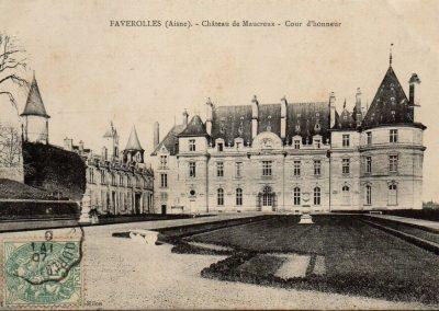 Château de Maucreux - Cour d'honneur