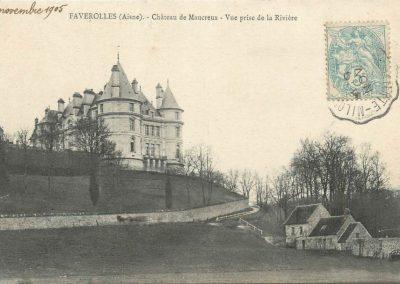Château de Maucreux - Vue prise de la rivière