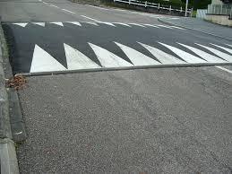 Sécurité routière : plateaux ralentisseurs